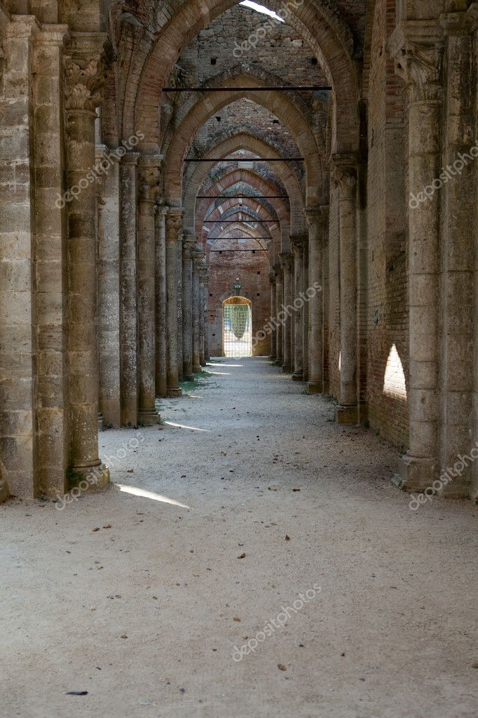Abbey of San Galgano, Tuscany, Italy — Stock Photo #10704188