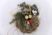 Adornos navideños ecológicos, hechos a mano de heno — Foto de Stock