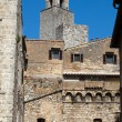 San Gimignano-  small walled medieval hill town in the Tuscany — 图库照片