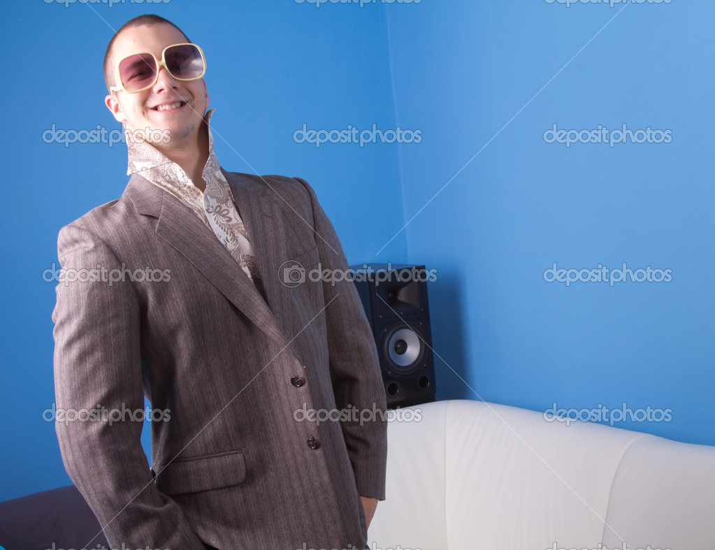 Cool man in retro clothes — Stock Photo #9887943