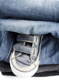 Man's shoes and jeans — Stock Photo