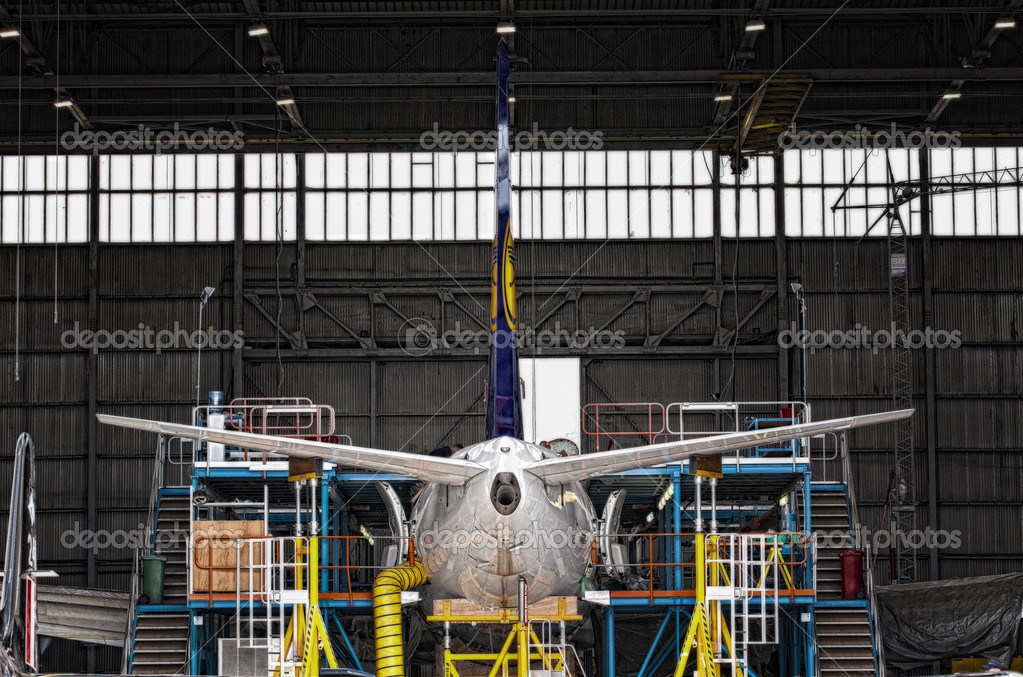 LUQA, MALTA - 27 JUL - Works being carried out inside the Lufthansa Technik hangar on a Lufthansa aircraft — Stock Photo #7986430