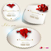 Gift cards with red ribbons. Vector set — Stock Vector