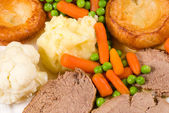 Traditional English Sunday lunch — Stock Photo
