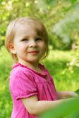 Девочка Открытый весной — Стоковое фото