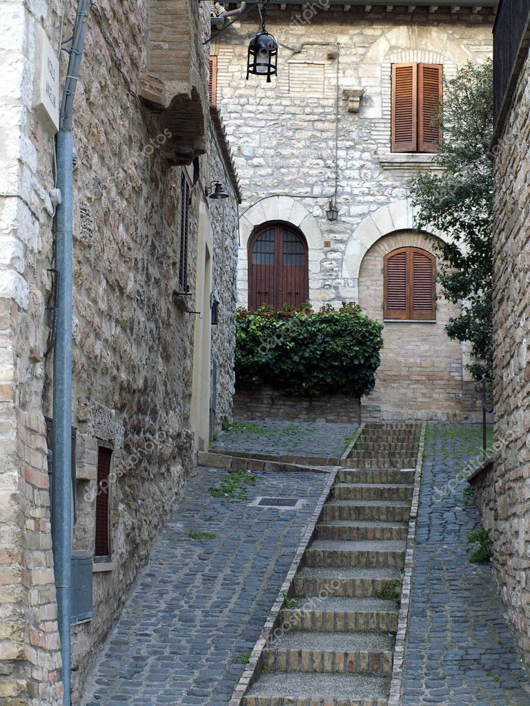 Streets of Assisi in Italy — Stock Photo #8965361