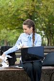 Business woman crumple documents — Stock Photo