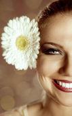 Piękny szczęśliwy uśmiechający się włos — Zdjęcie stockowe