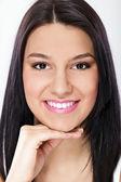 Lachende meisje met gezond gebit — Stockfoto