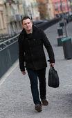 Man in de straat — Stockfoto
