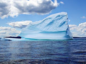 Iceberg in Ocean of Newfoundland — Stock Photo