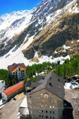 Camp ver esquí de las montañas en el área de elbrus. — Foto de Stock