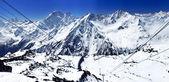 Hermosa vista de las montañas en el área de elbrus. — Foto de Stock