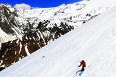A skier descending Mount Elbrus - the highest peak in Europe. — Stock Photo