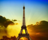 Eiffel Tower on sunset — Stock Photo