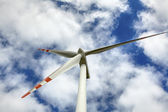 Modern wind turbine — Stockfoto