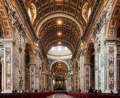 圣彼得大教堂的内部 — 图库照片