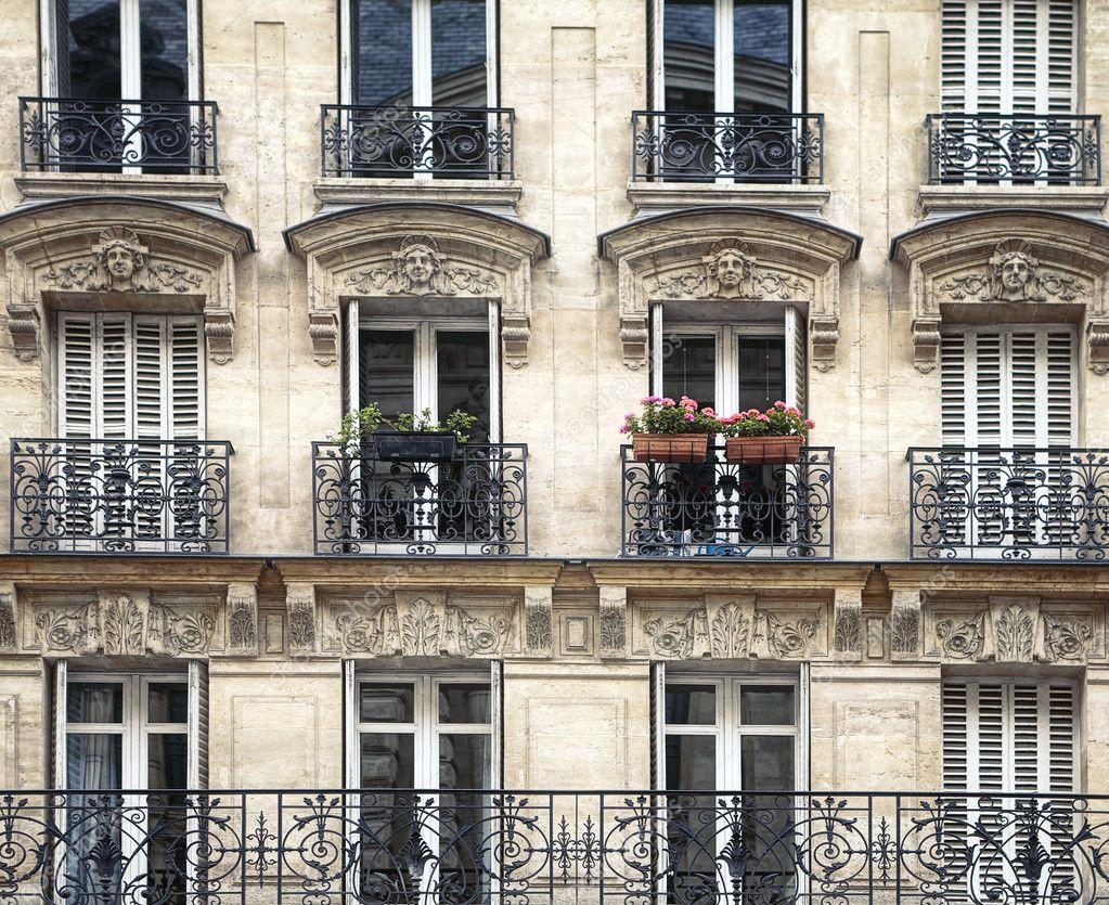 A 'deceptive' airbnb rental in paris.