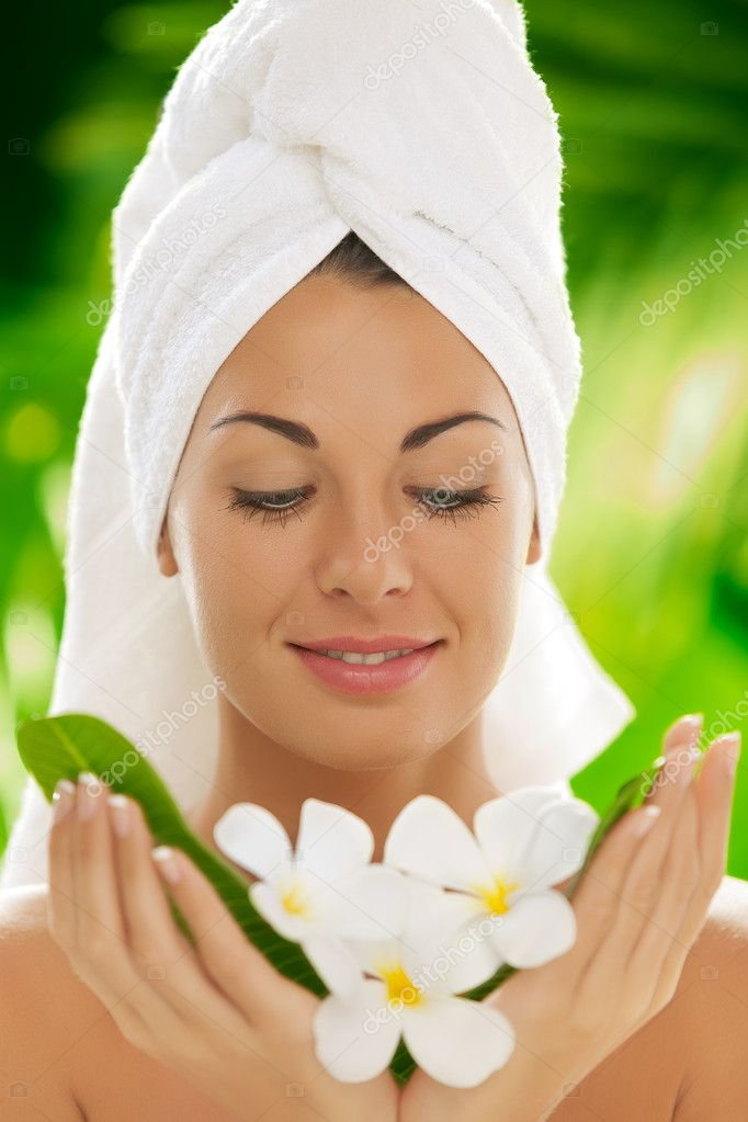 Portrait of young beautiful woman  in spa environment  — Stock Photo #10641778