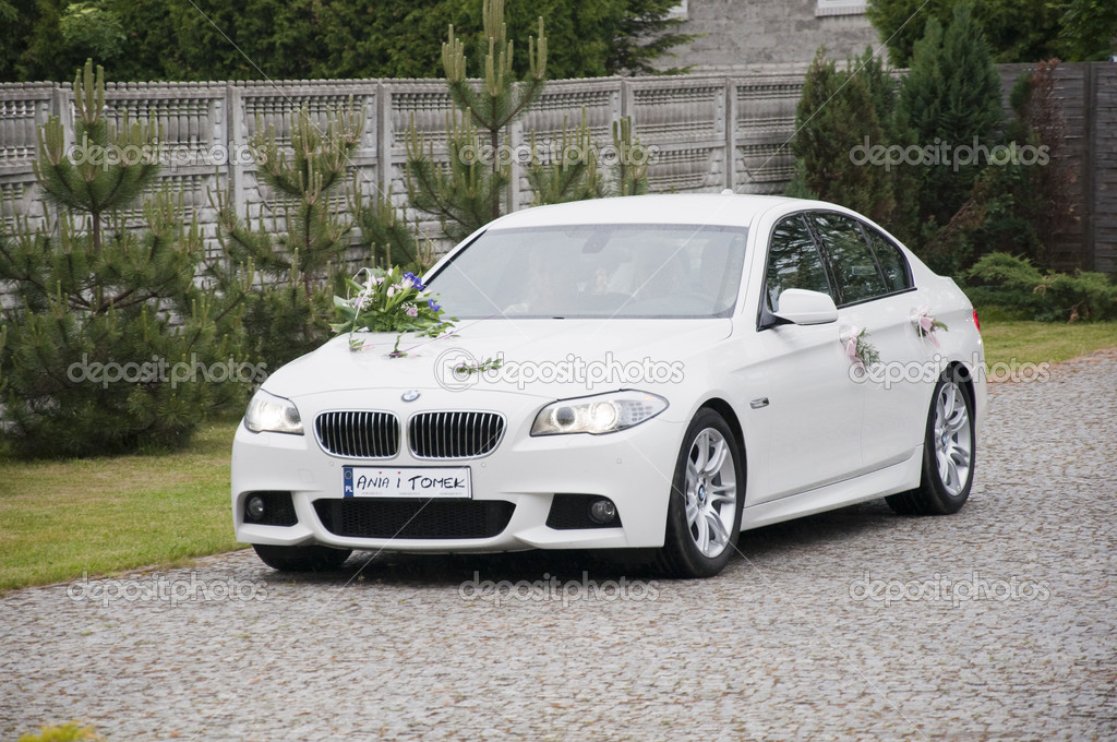 Wedding car - white BMW — Stock Photo #8528664