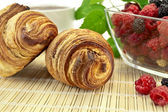 Croissants avec baies — Photo