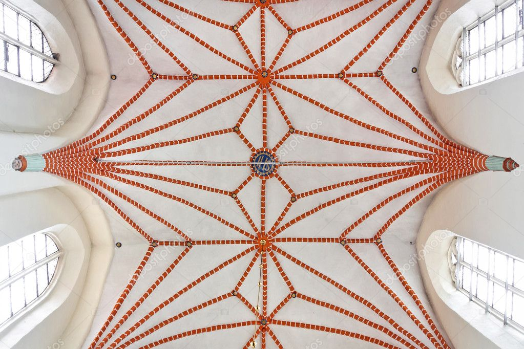 Sights of Poland. Cross-ribbed vault in Gothic church. — Stock Photo #9710162