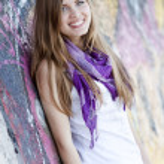 Style teen girl near graffiti wall. — Stock Photo #10287579