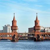 在德国柏林-kreusberg-桥 — 图库照片