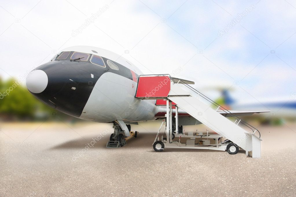 Typical generic aeroplane at the airport — Stock Photo #8752760