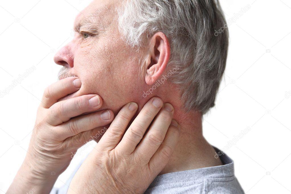 Боль в ухе отдает в десну