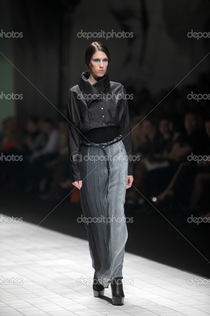 "ZAGREB, CROATIA - MARCH 17: Fashion model wears clothes made by Branka Donassy on ""Dove FASHION.HR"" show on March 17, 2012 in Zagreb, Croatia. — Stock Photo #10031863"