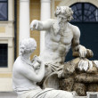 Vienna - fountain in castle Schonbrunn — Stock Photo