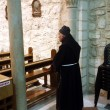 Franciscan monk in the Church of Jesus' first miracle, Cana, Israel — Stock Photo