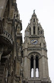 Gothic tower of Vienna's city hall — Stok fotoğraf