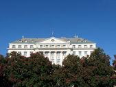 酒店滨海艺术中心,在萨格勒布,与东方旅行表达的著名酒店住. — 图库照片