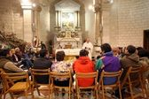 The Church of Jesus' first miracle. Couples from all over the world come to renew their wedding vows, Cana — Stock Photo