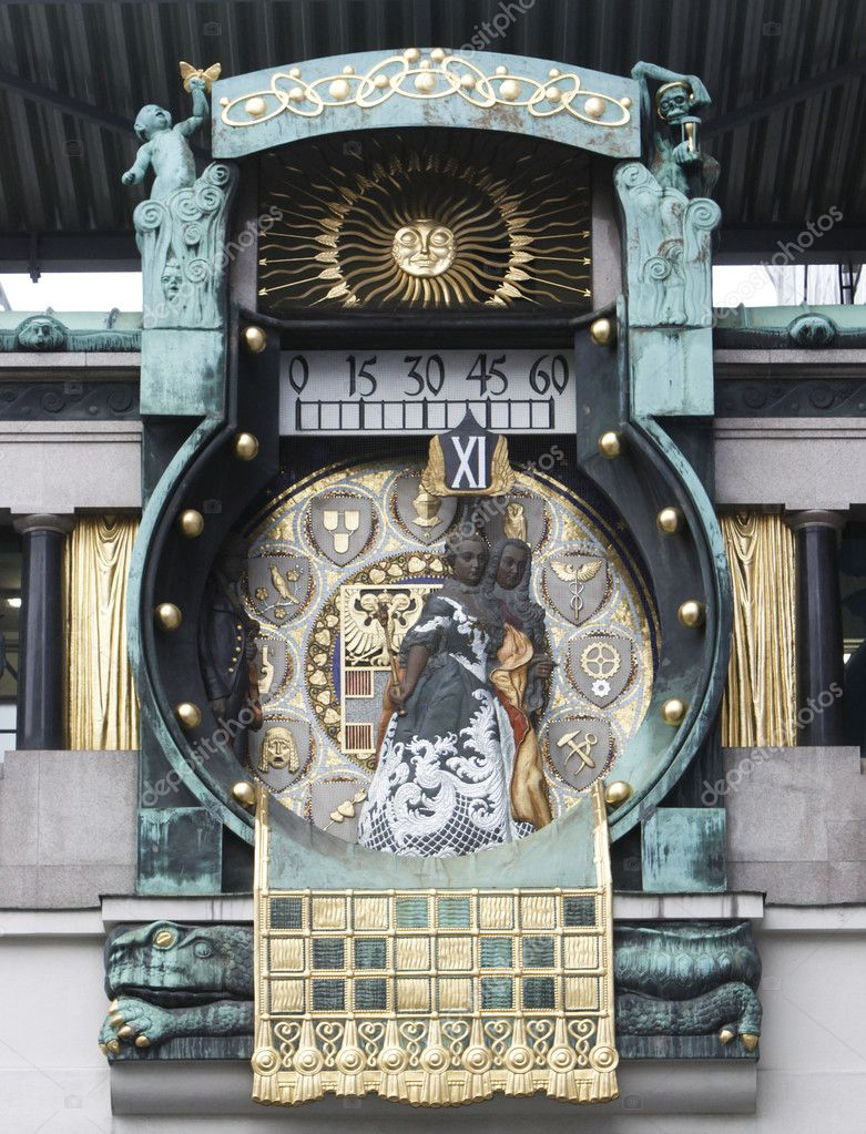 Detail of the famous Jugendstil Ankeruhr in Vienna — Stock Photo #10522221
