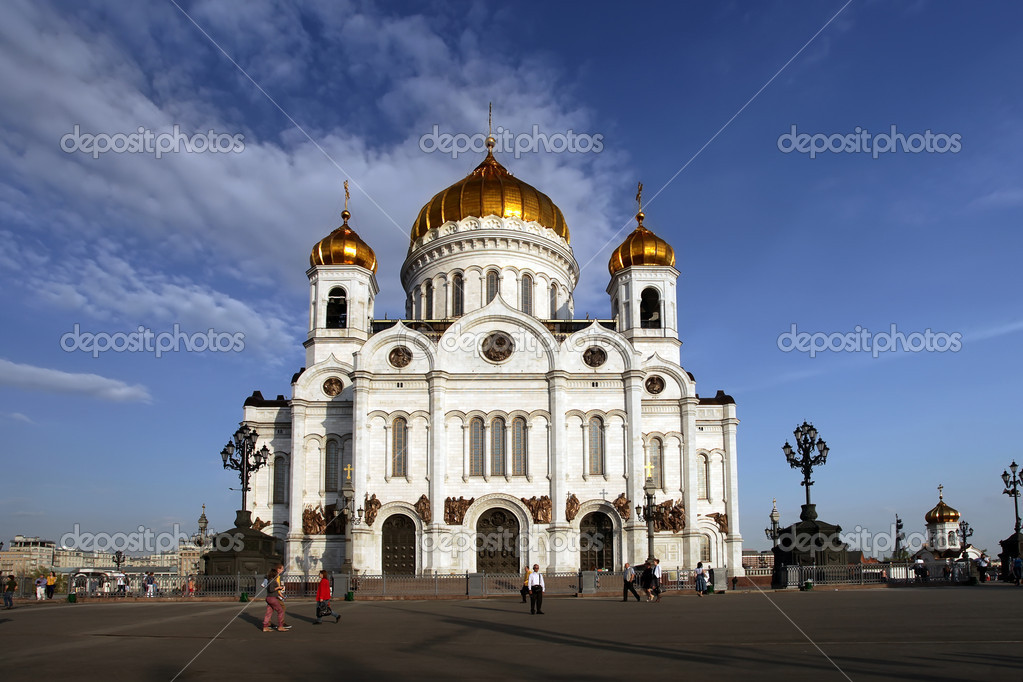 Russia moscow temple christ rescuer,the Cathedral of the Redeemer — Stock Photo #10521186