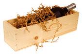 木製の箱でワイン ・ ボトル — ストック写真
