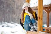 若い女性の冬の屋外 — ストック写真