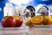 Fitness potravin a modrá obloha — Stock fotografie