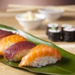 mieszanka japońska sushi — Zdjęcie stockowe #8842651