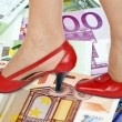 Shoes and money background — Stockfoto