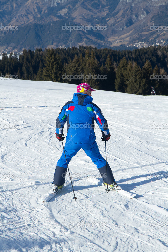 Skier — Stock Photo #8747568