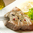 Tuna filet with salad — Stock Photo