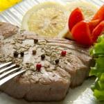 Tuna filet with salad — Stock Photo #9119860