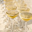 Row of wine glasses — ストック写真
