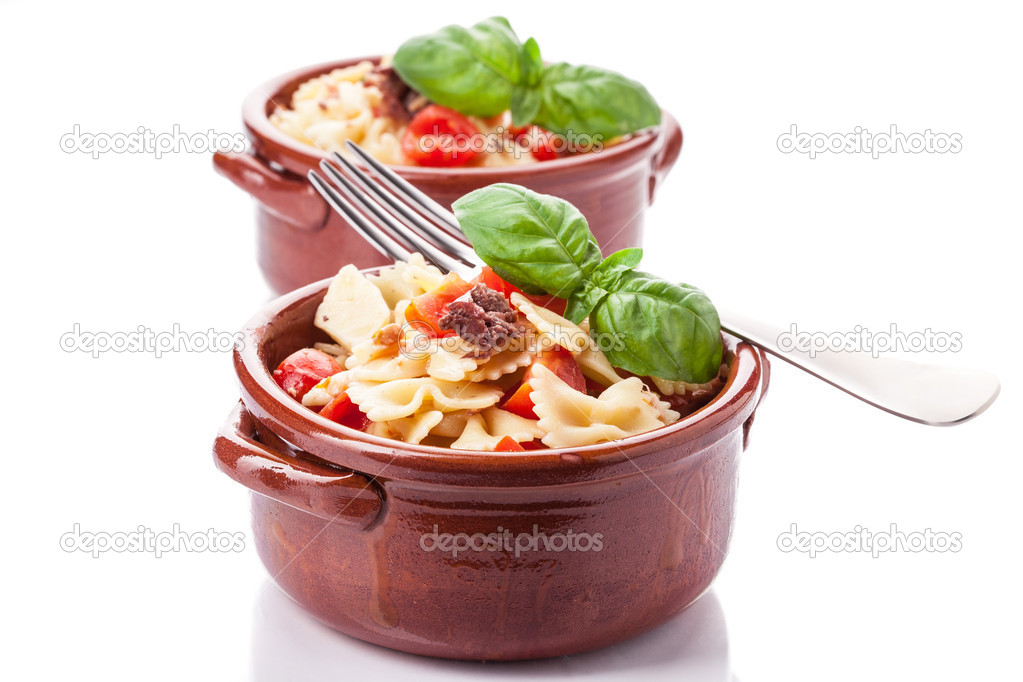 Photo of delicious pasta with cherry tomatoes and olives — Stock Photo #10647917
