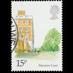 Hampton Court — Stock Photo #8764268