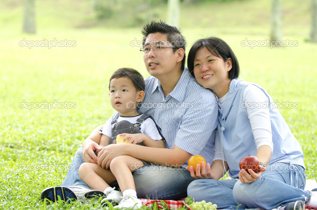 Chinese family nudism